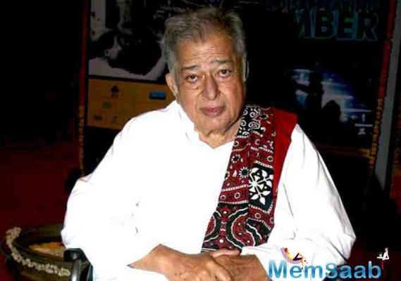 Shashi Kapoor is no more! Bollywood mourns remembering the legend
