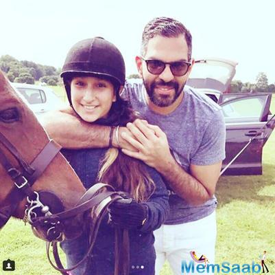 Karisma Kapoor's ex-husband Sunjay Kapur meets kids Samaira and Kiaan