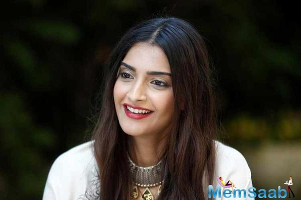 Sonam Kapoor: I want to work with artistes and filmmakers who challenge me as an actor