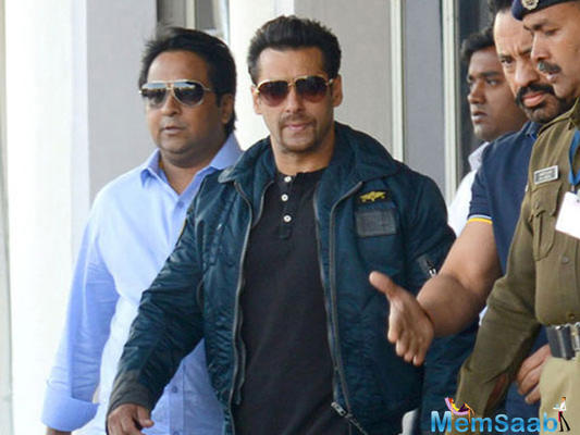 Salman's action film with Sooraj Barjatya stalled, director moves to another family drama