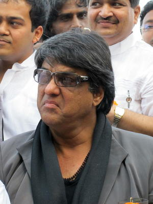 Mukesh Khanna unhappy, Smriti Irani yet to respond to his resignation from CFSI