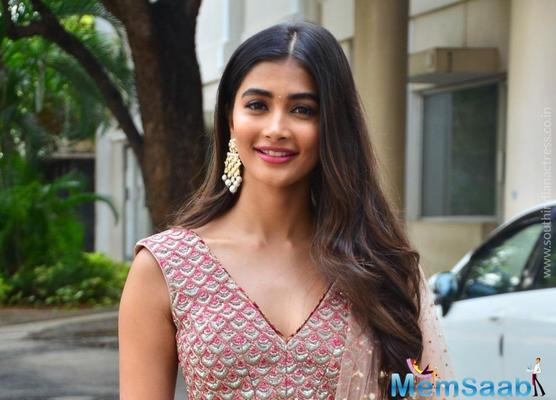 Pooja Hegde signs a film with Prabhas
