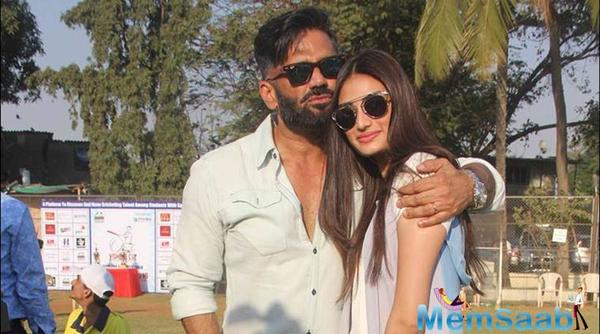 Suniel Shetty and Daughter Athiya to share screen space together for first time