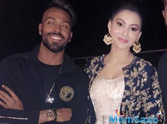 Not Elli AvrRam, Urvashi Rautela caught flirting with Hardik Pandya at a party!
