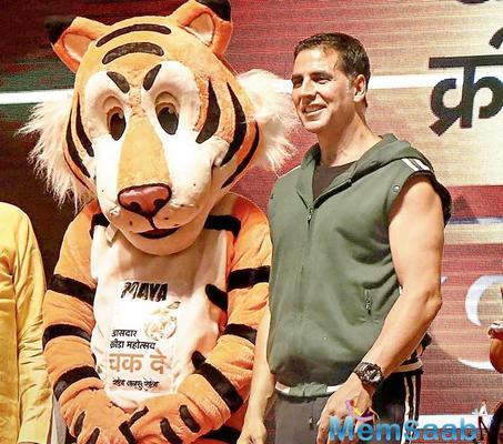Akshay Kumar praises Nitin Gadkari, Rajyavardhan Rathore for supporting sports talents