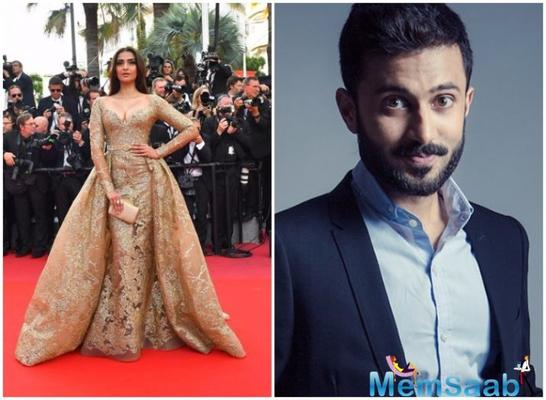 There were huge speculations about Sonam Kapoor's marriage, but unlike unsurity over Anushka Sharma's marriage in December, Sonam herself announced that she would get married to Anand Ahuja.