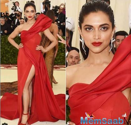 This is what Ranveer Singh has to say about Deepika Padukone's Met Gala 2018 look