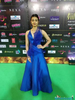 Radhika Apte, dazzling in blue on the green carpet at IIFA 2018