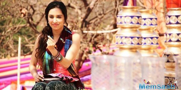 Shraddha Kapoor finds Family in Pankaj Tripathi on the sets of Stree
