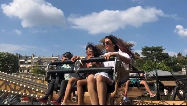 Aishwarya Rai Bachchan enjoys roller coaster ride with daughter Aaradhya in Paris