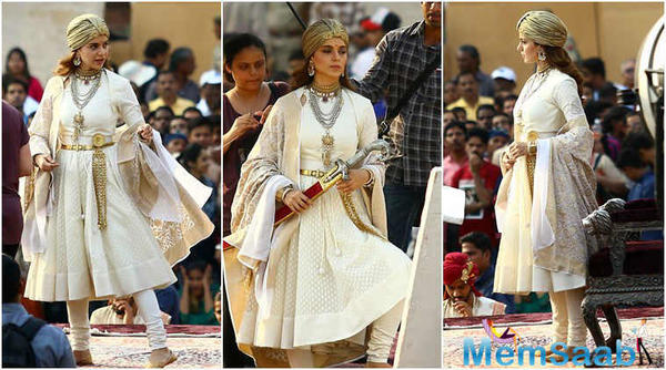 But Pitti now discloses that due to some pending shooting work, Manikarnika's release will be postponed.