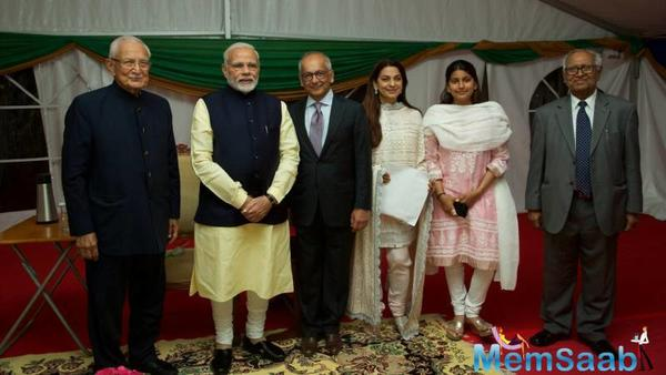 Juhi Chawla and family meet PM Narendra Modi in Uganda!