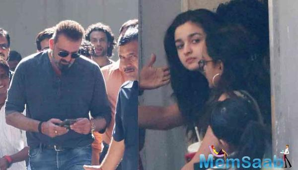 Sadak Co-Stars Sanjay Dutt and Pooja Bhatt pose for a picture!