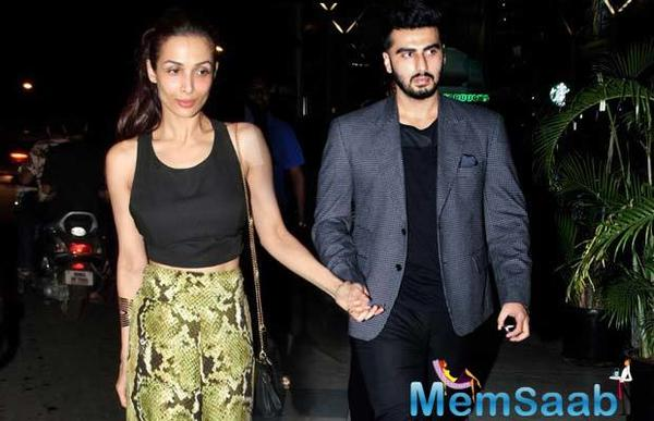 Malaika Arora, Arjun Kapoor sit side-by-side at a fashion show, See pics