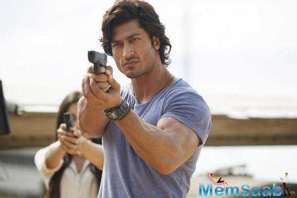 'Commando' Vidyut Jamwal now also replaces Sunny Deol and Ajay Devgn as Singham?