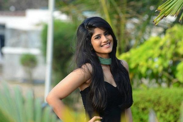 Megha Akash to romance with Sooraj in Satellite Shankar