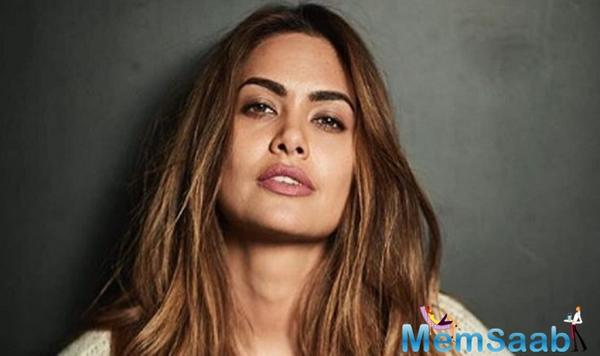 Esha Gupta has freezed the internet with her scorching hot photos