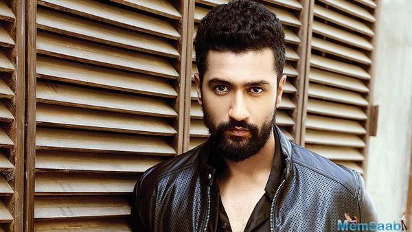Vicky Kaushal poses with his 'Dream Girl' on