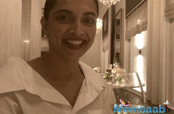 Deepika Padukone is Ranveer Singh's cheer leader