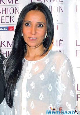 Sonam Kapoor defends Anamika Khanna, hits back at Diet Sabya