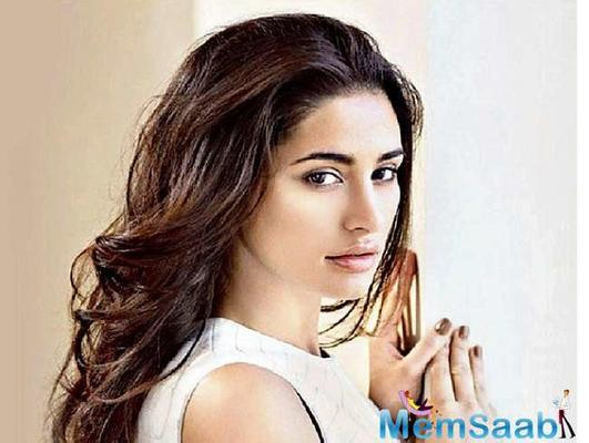 Nargis Fakhri is back in India and busy promoting her soon to release movie Amavas.  The film is directed by Bhushan Patel who is known to have directed other horror films.