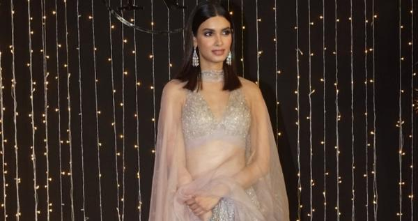 Having done films as different as chalk and cheese, actress Diana Penty of Cocktail fame says she would love to do a thriller and a