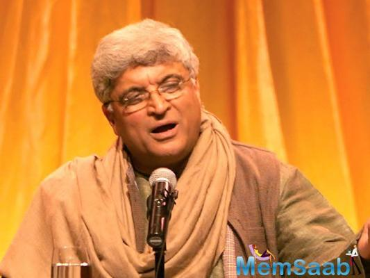 Proud that Zoya's work is different from mine: Javed Akhtar