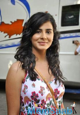 Kirti Kulhari doesn't want to take on the pressure of performing well in her next project as she says that it doesn't work well with her.