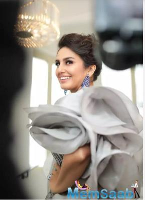 The actress stunned the onlookers this year with a metallic grey Gaurav Gupta gown at the red carpet.