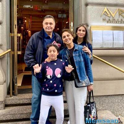 Rishi Kapoor is hale and hearty as he poses with Neetu and daughter Riddhima in a 'famjam' photo in New York