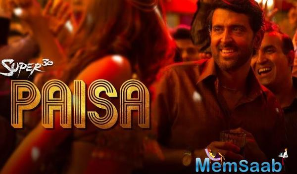 The song has been crooned by Vishal Dadlani and is written by Amitabh Bhattacharya.