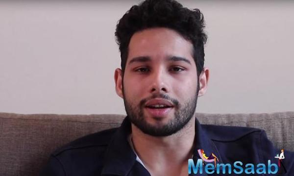 The heartthrob of the generation, Siddhant Chaturvedi just did not make a name for himself in the gully but also made it to Hollywood with the release of Men in Black: International.