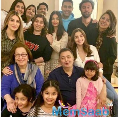 Aishwarya, Abhishek, Alia Bhatt & Ranbir join Rishi Kapoor for an EPIC family photo
