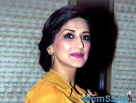 Sonali Bendre shares 'before & after' pic after completing 1-year of fighting cancer