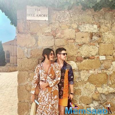 Priyanka Chopra shares a cosy picture with Nick Jonas as they celebrate 4th of July,