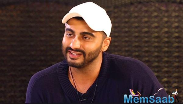 Arjun Kapoor pens emotional note for Rishi Kapoor, hails his fight against cancer