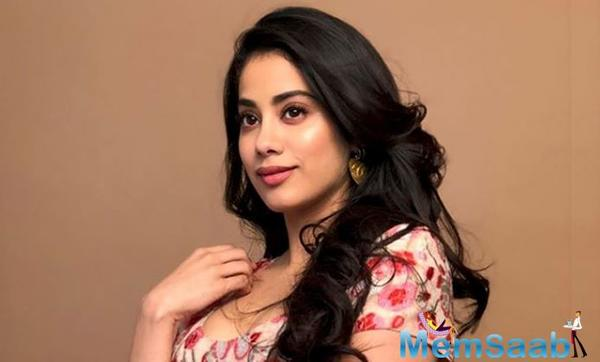 Roohi-Afza: Janhvi Kapoor got no security to cover?
