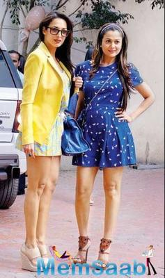 Malaika Arora 'accuses' sister Amrita Arora of copying her pose