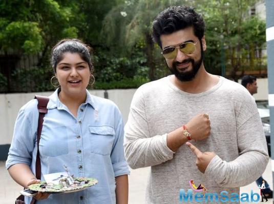Arjun Kapoor proud of Anshula