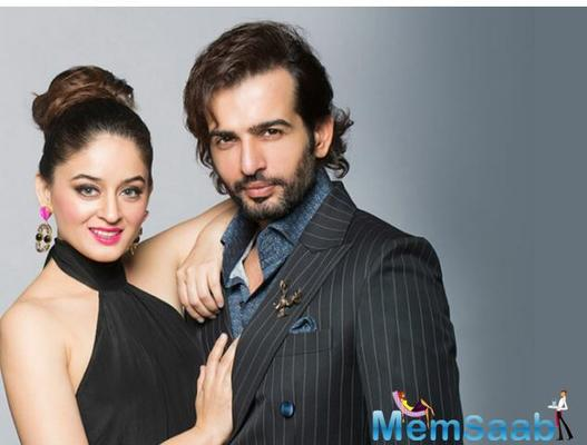 Jay Bhanushali posted a cute picture kissing the little baby tiny feet.