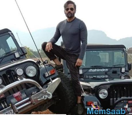 Suniel Shetty used to do his own stunts to prove himself