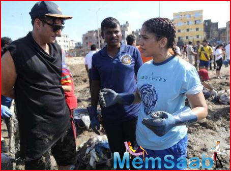 Bhumi Pednekar teams up with activist Afroz Shah for beach conservation