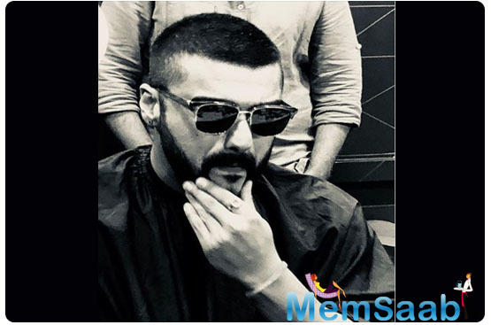 Arjun Kapoor's latest monochrome picture on social media leaves his 'Panipat' co-star Kriti Sanon confused; here's why