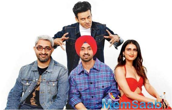 Look Who's snooping on Diljit Dosanjh!