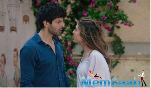 Though both the films are different, a few scenes from the film are similar to that of this Kartik and Sara starrer romantic drama.