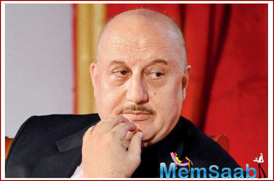 Anupam Kher hits out at Naseeruddin Shah over