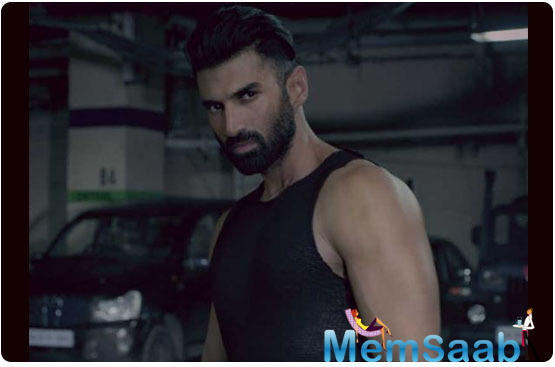 Aditya Roy Kapur unleashes beast mode for 'Malang'