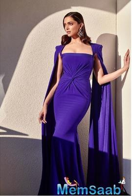 Deepika Padukone looked absolutely stunning in the sculpted purple gown by Alex Perry.