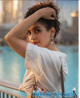 The actress surely knows how to draw attention on-screen with her brilliant performances. The actress will be seen in various movies this year and opened up on preparing for Pagglait.