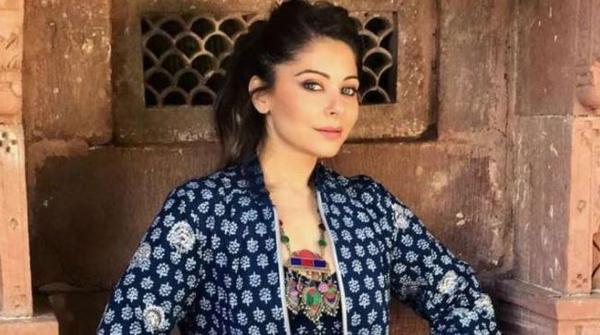 Kanika Kapoor gets discharged from Lucknow hospital, Her Sixth Covid-19 Test Negative